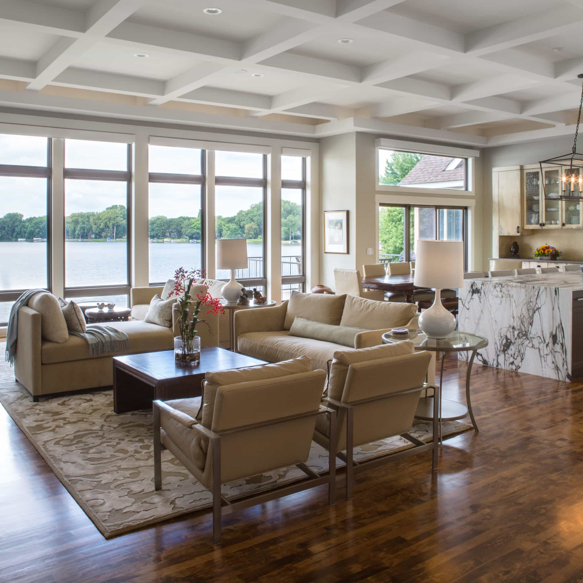 A Minnesota Lakehouse Transformed With Exotic Spice · GOGO