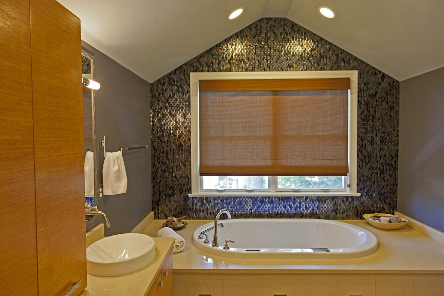 mosaic tile bathroom by Rebecca Pogonitz